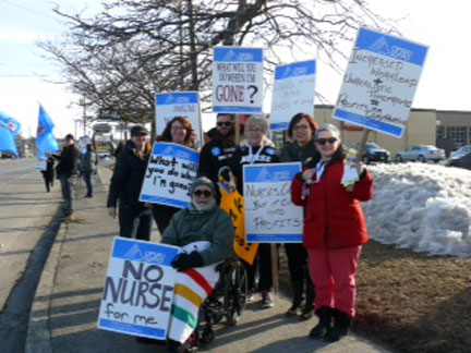 OPSEU Information picket outside the Niagara CCAC offices March 19th.